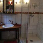 Chambres d'hôtes Conques, Les Grangettes, salle d'eau du Ponant, chambre de charme, calme et authenticité en plein nature
